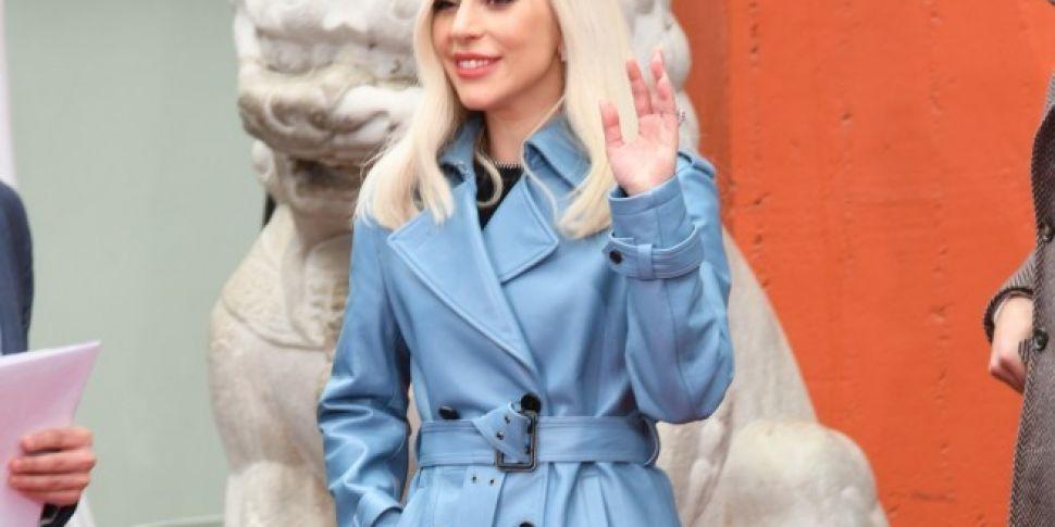 Lady Gaga To Remove R Kelly Co...
